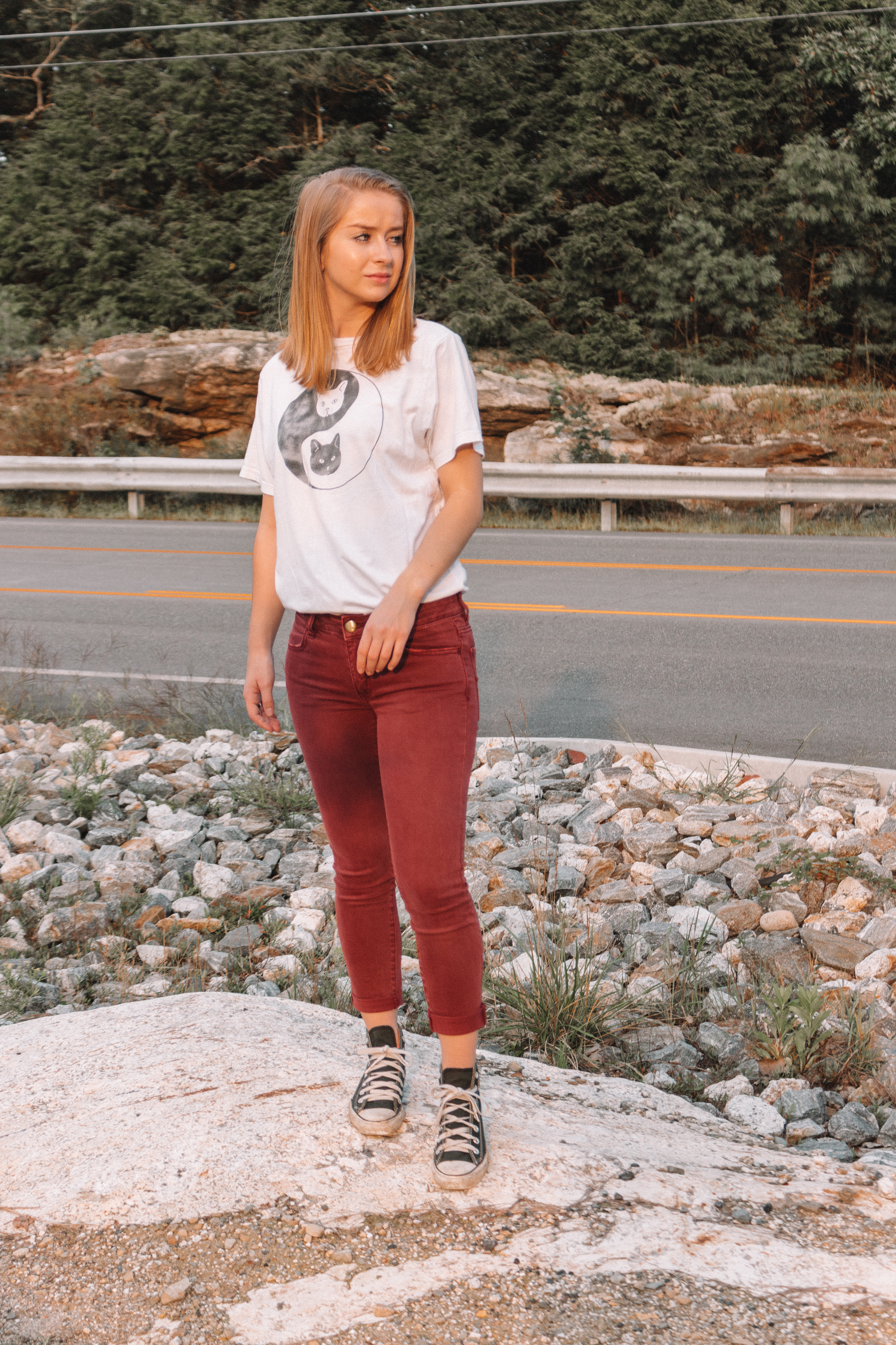 Graphic Tees: How to Style and Where to Buy | Hey Its Camille Grey #fashion #graphictees