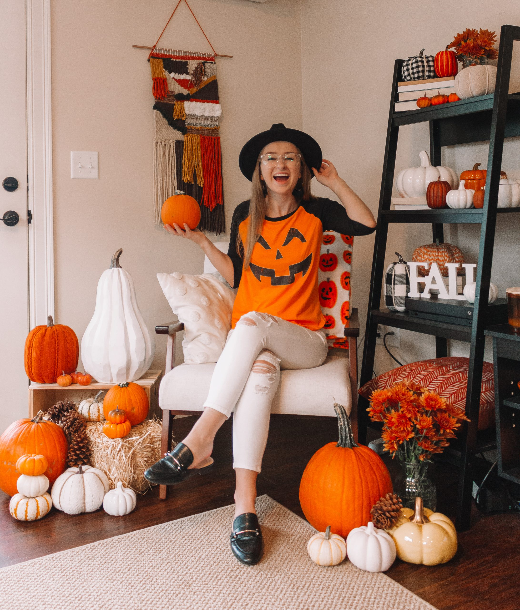 Friday Top Five Edit: Fall & Halloween Graphic Tees | Hey Its Camille Grey #fashion #fall #halloween #graphictees #pumpkins #autumn